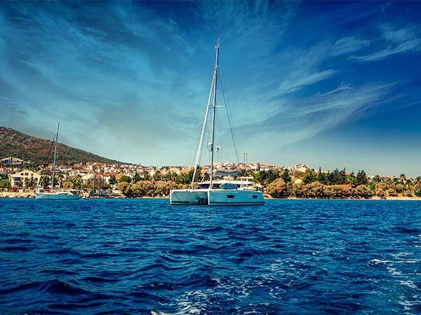 First time sailors - 10 reasons why 2021 is a great year to try sailing holiday