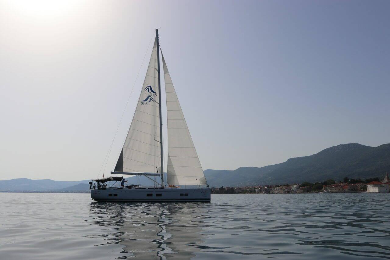 Hanse 548 Mila Felice- A/C, GEN
