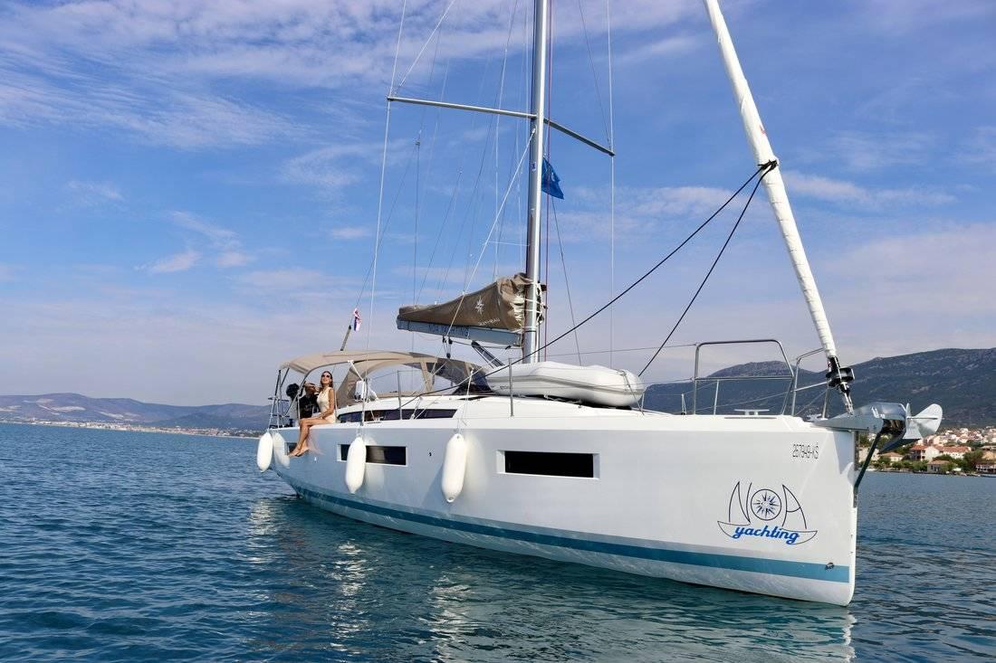 Sun Odyssey 440 Habibi- A/C